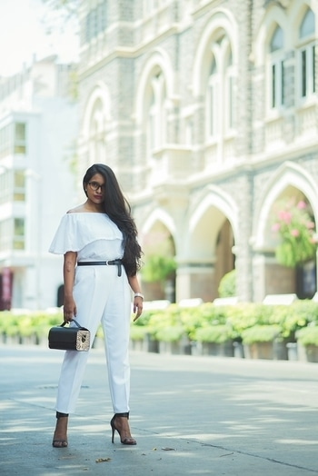 DAY TO NIGHT : SUMMER WHITES  As summer lovingly bitchslaps us, it's time we add some whites into our wardrobes.  Doing a 'Day to Night' look with these super comfy trousers, cause I can't get my tired ass back home to change for a night out. More about the looks on the bloglink : http://www.beingnita.com/day-to-night-summer-whites/  Trousers : @zaraindiaofficial  Bag : @swarangdesigns .   P.S : don't mind the Shetty Anna stare, it's my mom's.  #beingnita #whiteonwhite #monochromatic #monotone #zaraindia #andbyanitadongre #worklook #daytonightlook #howto #indianblogger #indianfashionblogger #mumbaifashionblogger #mumbaiblogger #swarangdesigns #roposo #roposogal  #ropo-love #ropo-good #so-ro-po-so