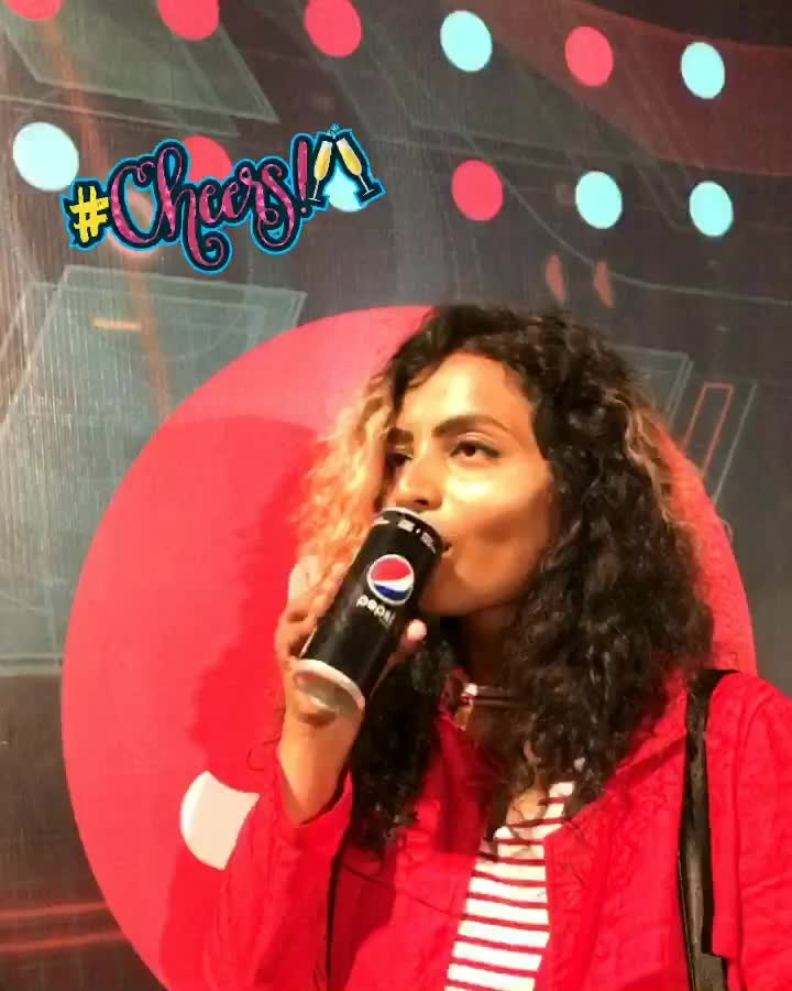 Feeling Closer to Pepsi Black as I chug it down one after the another here with #Chainsmokers 💋 @pepsiindia #TasteIsBae #WithPepsi #cheers