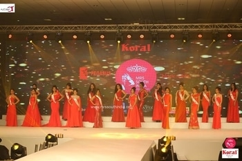 Mrs South India 2017  :) #Mrs_South_India #Mrs_South_India2017 #Koral #Ajit_Ravi_Pegasus_Event #Ajit_Ravi #Pegasus #Unique_Times #Manappuram_Finance_Ltd #Red_Gown :)