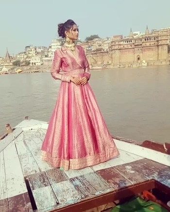 nRichest brocades all the way from #benaras rule our #AW17 collection #brocadegown #brocadejacketgown Currently being shot on the #riverghats of #varanasi by @rajvirsahniphotography styled by @paraskavya_official  Grab this #festive special @labelnityabajaj as it's a must have for all our #winterbrides #NBbrides #labelnityabajaj #brocades #brocadeweave #benaras #varanasi #varanasidiaries #river #boat #boatride #fashion #instafashion #instagood #indiantextile #textile #makeinindia #indiahandicraft #handwoven  #newbrocadesbeingshotinvaranasi