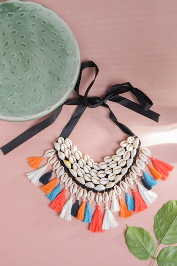 A necklace that will add color and life to any and every outfit... #bohofashion #boholife