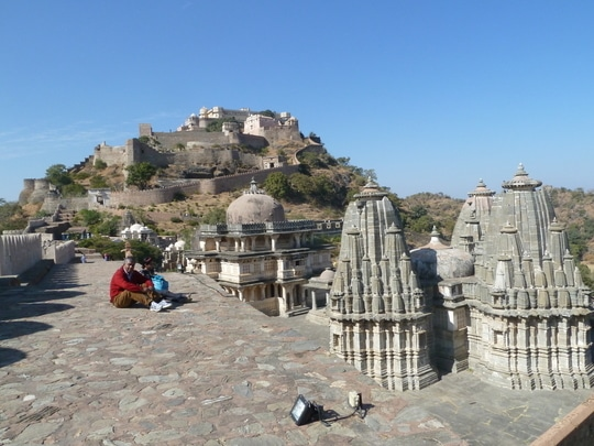 Chilling right outside the #MehrangarhFort #Jodhpur #RajasthanDiaries #TravelThrowback #RoposoTalentHunt