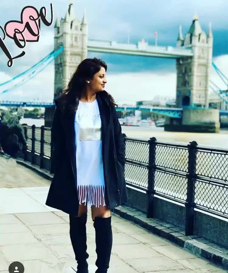By the #thames I kept wondering how cum places be so beautiful 😊 Oh #london I am in ❤️ with you. . . . . Jacket @veromodaindia  Tshirt dress @London Boots @stilettos . . #reneethereborn #popxoblogger #popxoblognetwork #plixxoblogger #indianblogger #fashionblogger #delhiblogger #mumbaiblogger #fashionista #fashionigers #styleblogger #bloggerstyle  #aboutalook #lbd #me #whatiwore #ootd #picoftheday #trending #blogger #love #black #travelblogger #wanderlust #travelgram #worldblogger #globaltrotter #londondiaries #roposo #roposostyle #roposogirl #roposoblogger #roposolove #soroposo #love