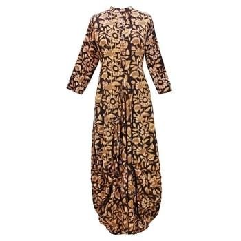 Dhoti Hem Cotton Blockprint Dress  SHOP NOW : http://bit.ly/2xtV4vE  #shopping #roposostar #designer #ropo-love #model #black #roposogal #soroposo #beauty #nationspeaks #travel #styles #fashion #ootd #followme #indian #blogger #fashionblogger #roposo #newdp #love #travelthrowback #diwalinights #diwaligifts #fleaffair #karwachauth #kurti  #kurtilove #longkurti