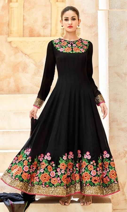 Black Floor Length Anarkali Suit  • Floor Length Anarkali Suit • Fabric : Crepe • Salwar Fabric : Shantoon • Dupatta Fabric : Chiffon • Size : Semi-Stitched (customizable Upto size-44)  SKU: SUEKKHL7223 Rs. 6,599  #styles #beauty #love #followme #roposo #fashion #model #indian