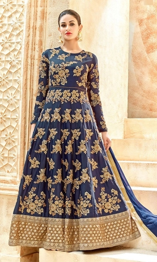 Blue Floor Length Anarkali Suit  • Floor Length Anarkali Suit • Fabric : Crepe • Salwar Fabric : Shantoon • Dupatta Fabric : Chiffon • Size : Semi-Stitched (customizable Upto size-44)  SKU: SUEKKHL7221 Rs. 7,599.00  #styles #beauty #love #followme #roposo #fashion #model #indian