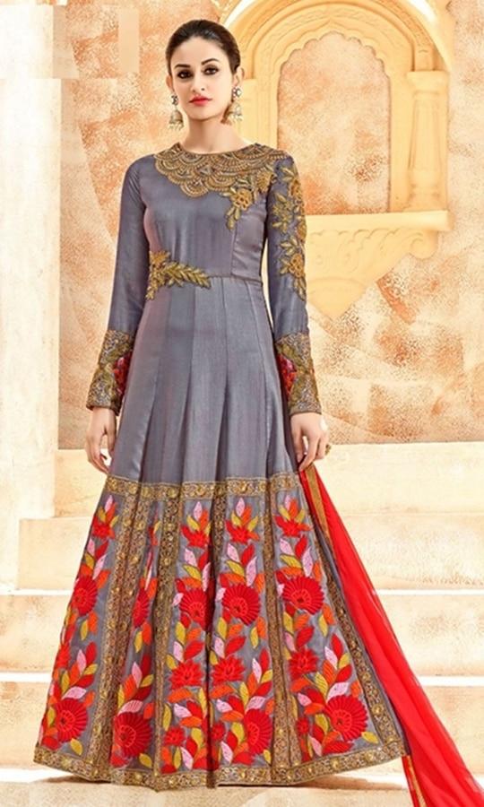 Grey Floor Length Anarkali Suit  • Floor Length Anarkali Suit • Fabric : Dupion • Salwar Fabric : Shantoon • Dupatta Fabric : Chiffon • Size : Semi-Stitched (customizable Upto size-44)  SKU: SUEKKHL7226 Rs. 6,999.00  #styles #beauty #love #followme #roposo #fashion #model #indian