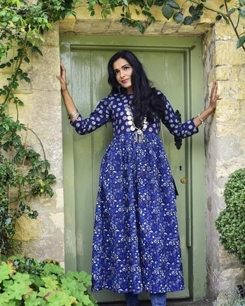 What I wore to Bibury. My outfit of the day incorporated the very trending boho-chic theme, but with an ethnic twist.  This was a fun, yet feminine look.  #whatiwore #bibury #travelblogger #travelling #ootd #outfitpost  #ethnicwear