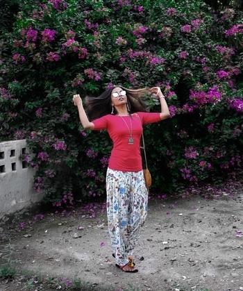 Follow me on Instagram for more pictures - https://www.instagram.com/theduskess/  <3 . . . . .  #ropo-love #soroposo #roposogal #roposoblogger #navratri #navratra #durgapuja #durgapujo #festival #indian #styles #ootd #followme #fashionblogger #blogger #love #desi #desiswag #dandiyaraas #roposo #fashion #whatiwore #fashionblogger #delhi #noida #delhiblogger