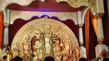 The Dakshinpally Puja Samiti was awarded the first prize for being environmentally the cleanest pandal. They used biodegradable materials such as clay, cloth, paper, jute and bamboo in the construction of the pandal and the adornmenta for the idol. #PujoBites #Pujo2017 #PujoPandal #PujoNews