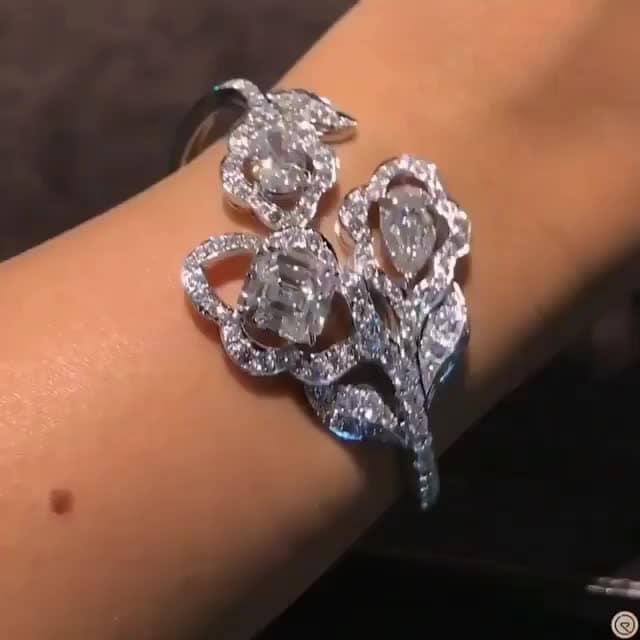 post requested by @happyeb41d829 & @abdulwahid10  #diamondjewellery #diamondbracelet #diamondring  #diamondlovers #vogue #vogueindia