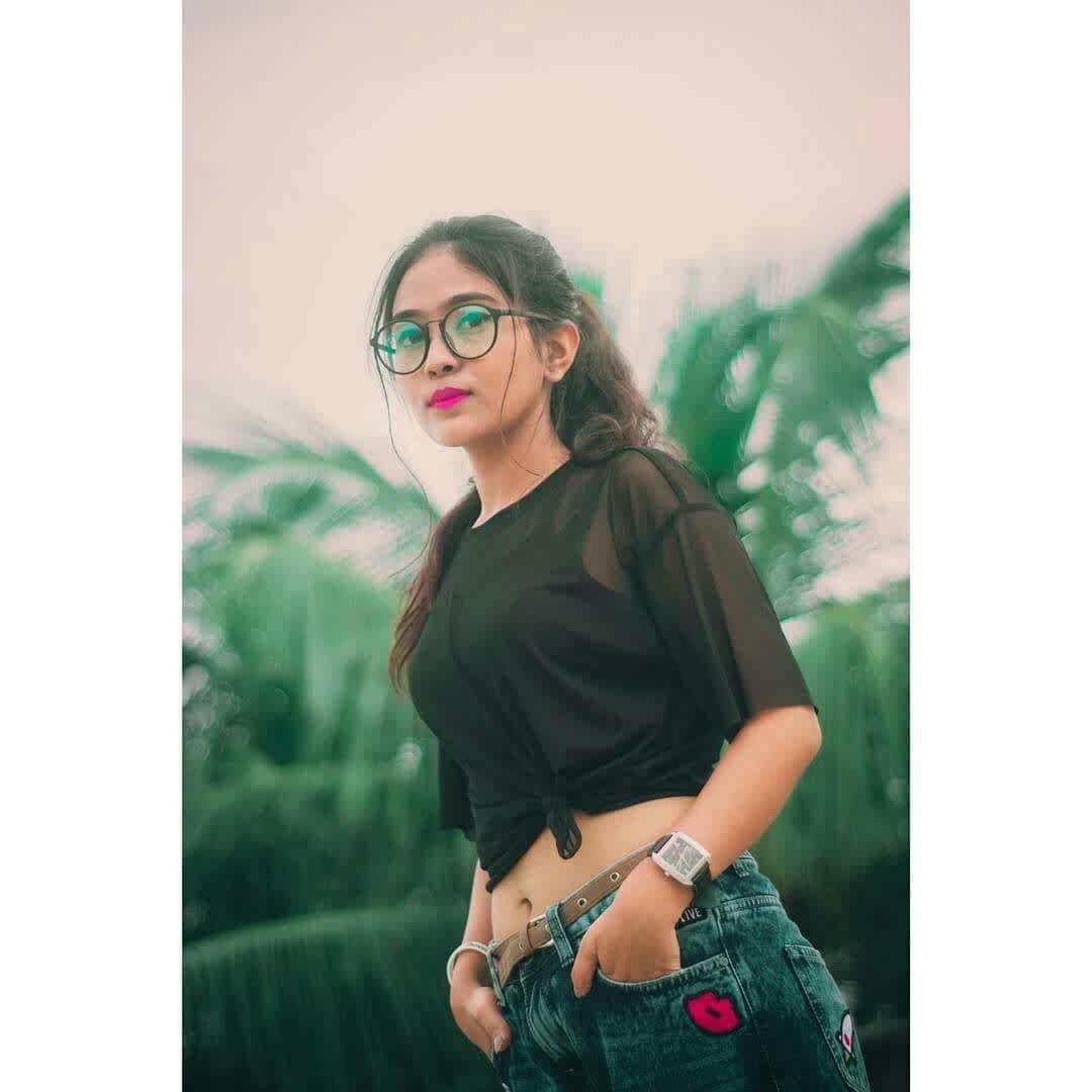 wearing #sheinofficial black mesh top 💕 #nerdlook #kolkatafashionblogger #styleblogger #thetinkersoul #fashionblog #personalstyleblogger