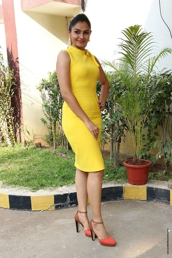 tamil actress Andrea Jeremiah at Aval movie trailer lauch http://www.southindianactress.co.in/tamil-actress/andrea-jeremiah/andrea-jeremiah-aval-trailer-launch/ #andreajeremiah #southindianactress #tamilactress #kollywoodactress #yellow #yellowdress #yellowfever