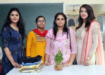 Divya's Closet in association with Karmaarth Foundation applauds these girls of ours. Their journey now truly begins. Stepping ahead in the direction of success, they are all set to weave their way into becoming Self independent beings. I'm thankful to God for helping me with this💕🙏🏼 . #women #empowerment #selfdevelopment #working #cause #country #passion #socialcause #smile #smiles #nation #upliftment #growth #progress #bright #vision #direction