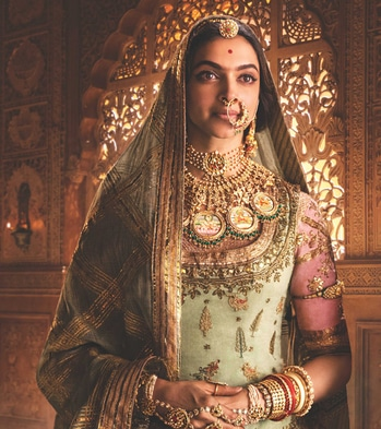 #DeepikaPadukone aka Rani Padmavati's Royal Jewellery The #padmavati Collection is Available at #tanishq #bridaljewellery #Indianwedding #eventznu  Click on link to view the collection and prices -  https://www.eventznu.com/deepika-padukone-rani-padmavati-jewellery-the-padmavati-collection-tanishq/