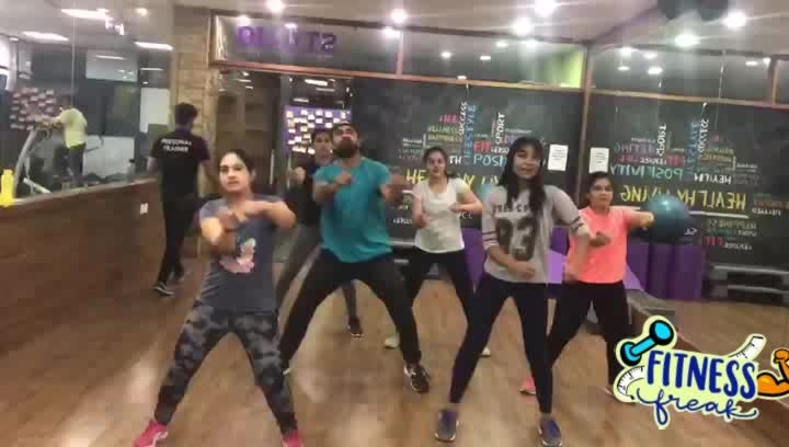 cardio like this.bollywood workout  #lovemydancesession #fitforllife #stayfit #roposotalenthunt  #fitnessenthusiast    Vote for me everyone #fitnessfreak