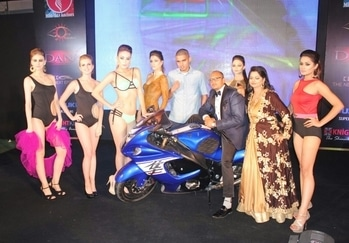 """Fashion & Superbiker's showcase a stunning spectacle  The theme based show titled """"Bikers meet Babes"""" was a stunning spectacle of Fashion and Superbiker's. Hosted at the swanky Oodles Hotel, Chattarpur by Gaurav Almal and Kaydee Productions in association with Liza Verma and Makeover Studio RASSA by Cyruss Mathew's on 14th October'17, it was the first ever Super Biker's Fashion Show in the capital. Designer Shantanu Singh showcased his captivating beachwear and evening gown collection in sync with Gaurav Almal's Models 'n' Anchors. Liza Verma was the fashion choreographer of the event."""