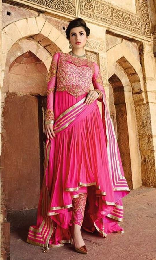 Magenta Floor Length Festive Anarkali Suit  • Party wear Anarkali Suit • Embroidery and Stone work • Fabric : Georgette • Dupatta Fabric : Chiffon • Bottom Fabric : Shantoon • Size : Semi-Stitched (customizable Upto size-44)  SKU: SUEBRGL6687_1207 Rs. 6,499  #Anarkali #suit