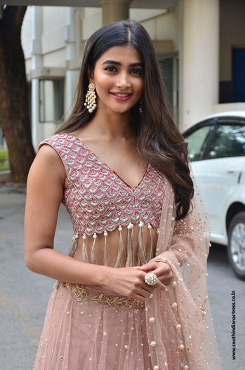 Pooja Hegde photos at Sakshyam movie Motion Poster Launch http://www.southindianactress.co.in/telugu-actress/pooja-hegde/pooja-hegde-sakshyam-movie-launch/ #poojahegde #southindianactress #teluguactress #tollywood #tollywoodactress #lehengaskirt #lehenga