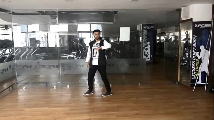 New inspiration on @danceninspire. Wonderful talent!  Dance: Samarth Styles: #Robot #Popping Music: Beatkill | RobotBoys  #roposotalenthunt #beatkill #robotboys #dancecover #hiphop #hiphopdance #robot #robotdance #mustwatch #dope #dopedance #hiphopculture #videooftheday #dancepassion #dancerslife #dubstep #freestyledance #solo #newinspiration #dni #danceninspire  For more dance videos download @danceninspire app (App link in bio)