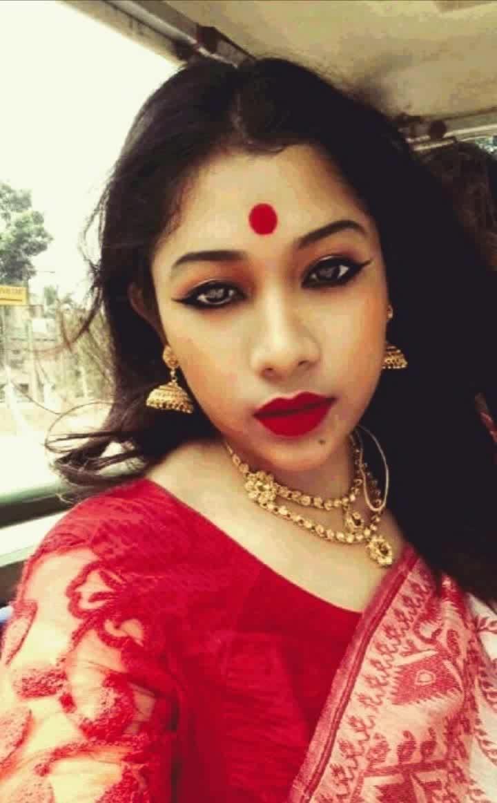 Bong look created with Mac cosmetics. #roposotalenthunt #bengali #beautyobsessed #styleaddict #summer-style #beautifulsaree #traditionalwear #maintain-indian-culture #fashionstatement #fashionindia #fashionforwomen #fashionaccesories