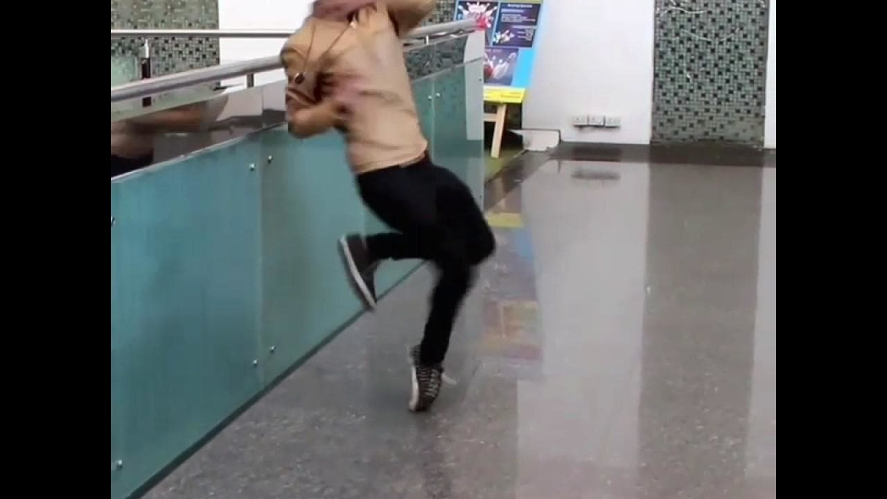 Best toe turn of #chinzz #roposotalenthunt #danceforlife #dancercategory #chinzz #toe #turn #dubstep #kdeep #gujarat #garba #hiphopgarba #gujaratblogger #gujurati #gujaratistyle