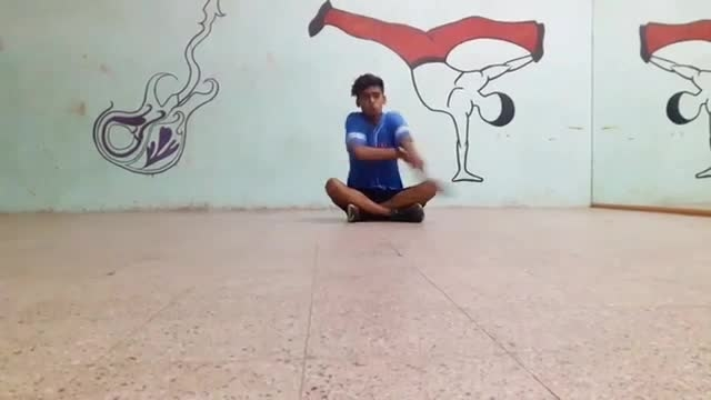 Practicing really hard and giving his best to make it to #DID6.  Dance: Vijay Yadav Styles: #Freestyle #Tutting #BoneBreaking Song: Kaari Kaari | Pink  #roposotalenthunt #kaari #pink #pinkmovie #dancecover #practicing #reallyhard #danceauditions #danceindiadance #danceindiadance6 #did #dancepassion #mustwatch #videooftheday  #amitabhbachan #taapseepannu #beautiful #song #lyrics #dance #choreography #bollywood #freestyledance #creativity #uniquedanesofig #inspiring #dni #danceninspire