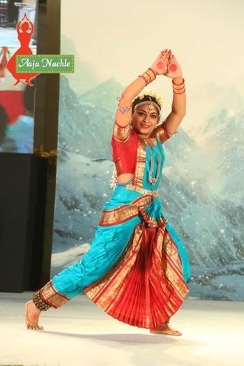 #roposotalenthunt #voteforme #dancer #classicaldance #bharatbatyam #dancercategory #twinklewithmystyle #aajanachle