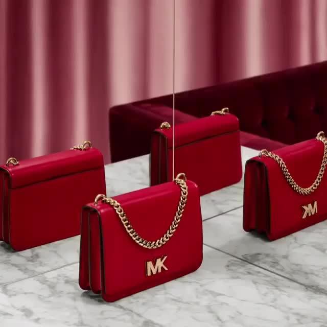 Pick your color - The MICHAEL Michael Kors MOTT #newcollection #mk #michaelkors #luxurybags #bags #luxurybrand #premiumcollection #topnotch #genesisluxury