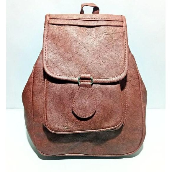 Trendy Leather Look Backpacks Bag  SHOP NOW : http://bit.ly/2ipmGJZ  #goodvibes #oldschool #aapsundarho #ilovewinters #art #indianblogger #padmavati #cool #gajab #bachpan #desiswag #desi #model #bollywood #90skid #blackisbae #roposolove #fashionblogger #fashion #beats #voteforme #styles #blogger #beauty #roposogal #love #photography #newdp #shaamkascene #indian #bags #stylebag #bagfashion #fleaffair #trendy #bagtrends