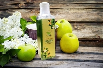 Nature Touch Presents NATURAL & ORGANIC GREEN APPLE & LEMON HAND WASH  #cosmetics #beautyproducts #facewash #bodylotion #roposo-styles #makeupforever #skincare #everydaycarry  *Price Rs. 489 *Link https://www.amazon.in/dp/B075FQXLMM