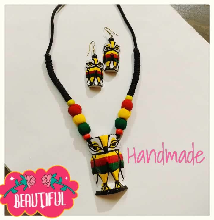 Handmade Neckpiece with matching Earrings. Handcrafted and hand painted by artisans from West Bengal. This is not only a neckpiece but a traditional art form converted to jewelry. Wooden doll making is a speciality of Bardhaman district of West Bengal.  . . #wearhandmade #wearableart #supportlocalartisans #supporthandmade #woodendollsfromwestbengal #handcrafteddolls #panigha #panighaindia #beautiful