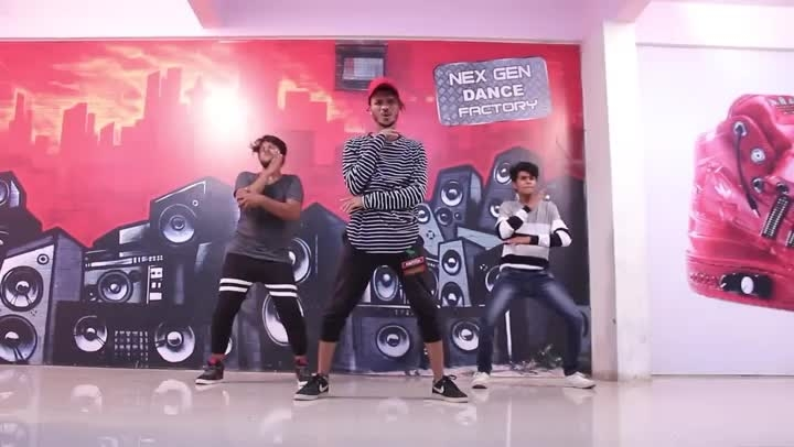 In love with the dance of you. Keep up the great work!  Choreography: Shrikesh Styles: #Lyrical #Hiphop #Freestyle Song: Shape of You | @teddysphotos  For more dance videos download @danceninspire app (http://dni.dance/app)  #shapeofyou #edsheeran #dancecover #dancelove #dancepassion #lyricaldance #lyricaldancer #hiphopdance #hiphopculture #indiandsncers #mustwatch #videooftheday #trending #inspiring #dancevideo #dni #danceninspire