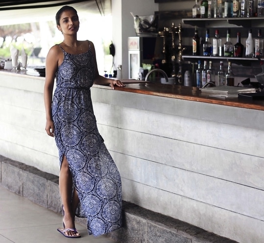 Barkeep 🍸😉 . for more pictures - https://www.instagram.com/theduskess/  more pictures from this blogpost -  http://www.theduskess.com/how-to-budget-shop-for-vacation/  #happy #maxi #boho #bohemian #gypsy #bohochic #bohostyle #vacation #vacationwear #holiday #resortwear #breezy #indianblogger #blogger #roposo-style #roposolove #roposogal #soroposo #mood #wanderlust #travelbug #love #fashionblogger #fashion #style