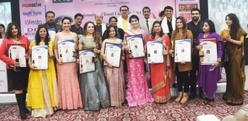 """Creme de la creme graces """"DOCTOR OF LETTERS"""" Convocation & AIAC Awards event  By Bipin Sharma  Senior journalist and Founder-Director of All India Achiever's Conference (AIAC) Abhishek Bachchan added another feather to his cap by hosting the 86th  AIAC Excellence Awards Event at Hotel Samrat in the capital on December 12, 2017.  The key highlights of the event were the """"DOCTOR OF LETTERS"""" Convocation Ceremony and the conferring of """"Indian Icon Awards"""" to achievers who had excelled in their respective fields. The Doctor of Letters Convocation Ceremony organized under the aegis of International Tamil University and the Kings University, Honolulu, Hawaii, USA saw Chancellor of these universities Dr. N. Selvin Kumar present Honorary Doctorates to 6 achievers who had made significant contribution in their respective fields. The Chief Guest of the event was Dr Janice Darbari H.E. The Consul Gen. of Montenegro while the celebrity Guest of Honour was Raza Murad. Among the Guests of Honour who graced the event with their benign presence were personalities like Senior BJP Leader Vijay Jolly, Anurudh Lal (General Secretary, Delhi Pradesh Congress Committee), Dr Jai Madaan (renowned Astrologer and Vaastu expert), Neetu Singhal (Chief Editor, NavDrishti Times), Krishan Tiwari (Editor and Publisher of  Zoom Delhi), Sanjeev Dev Malik (CMD-Asian News Channel/GNN/NewsAge), Dr. Sumathy Bachchan, Avleen Khokhar, Harpreet Sharma, Nivedita, Neha Bahl, Sanjay Mittal, Abhinav, Tamal Mitra to name a few.  Indian Icon Awards under the aegis of All India Achiever's Conference (AIAC) were conferred on achievers from different fields at the glittering event at Hotel Samrat. Among those honoured at the event included icons of their fields namely Gunpreet Kahlon Kohli, Neha Kala, Dr. Jai Madaan, Shivani Singh, Amit Gupta, Anupama D. Sharma, Anita Arora, Narender Arora, Varun Katyal, Sumita Dass, Madhavi Advani and Anu Dheer.      Speaking on the occasion, actor and jury chairman Raza Murad said,"""