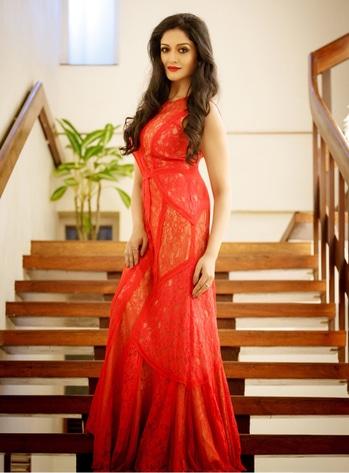 Vimala Ramam at Kochi International Fashion Week. #vimalaraman #malayalamactress #southindianactress #reddress #red #ladyinred #fashionweek #kochifashionweek #cocktail #actressfashion #actressstyle #fashion #style #redstyle