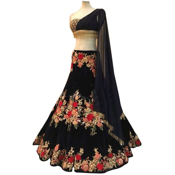Crop Top With Embroidered Lehenga  SHOP NOW : http://bit.ly/2ADuMWC Rs. 2,619/-  #weekendvibes #fridayfun #swag #friday #loveyourself #gentlemen #letsnacho #ropo-style #model #bollywood #fun #like #ilovewinters #fashionblogger #beats #beauty #soroposo #newdp #ootd #trendy #roposogal #roposo #roposotalenthunt #indian #dude #ropo-good #followme #roposolove #fashion #ropo-love #fleaffair #lehenga #croptop #fashion #style #stylish #love #socialenvy #PleaseForgiveMe #me #cute #photooftheday #nails #hair #beauty #beautiful #instagood #instafashion #pretty #girl #girls #eyes #model #dress #skirt #shoes #heels #styles #outfit #purse #jewelry #shopping