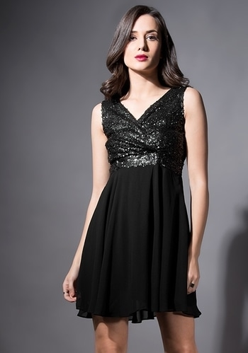 We are lusting so hard over this dress RN!  Get THIS DRESS - https://goo.gl/TVa6kH   Black Sequin Yoke Skater Dress ₹2200  @fab_alley   #faballeylook #women-clothing #dress #roposo #Beauty #StreetStyle #street-wear-fashion #fashion-addict #party-edit #party #party-wear #streetfashion #Skater #SkaterDress