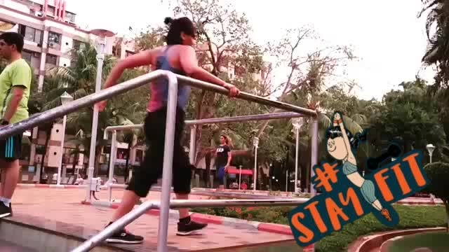 """Working on vaults..this is something that scares the hell out of me.. everytime I try a vault my brain starts shouting """"NO ..STOP"""" but here's what I love the most about it ... Breaking the Barrier of fear...#parkour #vaults  #training #goals #strength #workhard #dancerslife #park #mumbaiparkour #mumbai #PARKOUR #parkourmumbai #parkourlife #parkour4life #jumplife #stayfit"""