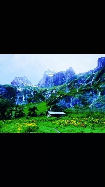 My dream holiday destination#kashmir #paradiseonearth #natureatitsbest #beautiful #valleyofflowers #hillsandmountains #snow😍❤️ @mayankbhangadia