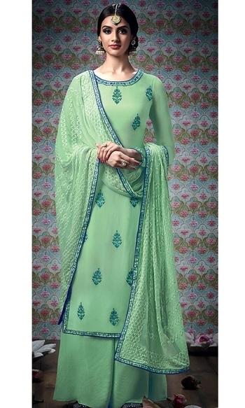 Green Embroidered Straight Cut Plazzo Suit  • Embroidered Straight Cut Plazzo Suit • Fabric : Georgette with Santoon Inner • Salwar Fabric : Santoon • Dupatta Fabric : Chiffon • Size : Semi-Stitched (customizable Upto size-44)  SKU: SUEKIM7302 Rs. 3,999  #embroidered #straight #palazzo #suit   #wedding-suits-designer #wedding #wedding-outfits#lehenga-for-#wedding #weddinglook#weddinglook #weddinglehngas #wedding-lehnga #wedding #wedding-bride #wedding-dress #weddingday#weddinggoals#weddingideas#weddingthings #happynewyears #happynewyear2018 #christmasparty #x-mas  http://www.ishimaya.com/salwar-kameez/type/punjabi-suits/green_1.html