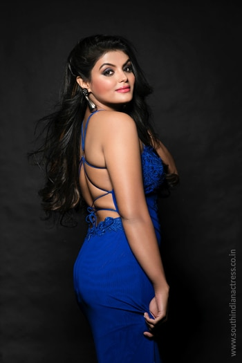 Tejashree Jadhav photographed by Dabboo Ratnani http://www.southindianactress.co.in/featured/tejashree-jadhav-dabboo-ratnani/ #tejashreejadhav #southindianactress #teluguactress #tollywood #tollywoodactress #indianactress #hotindiandress #indianfashion #dabbooratnani #blue #navyblue #actressfashion #actressstyle #actressdress #partywear #hotdress