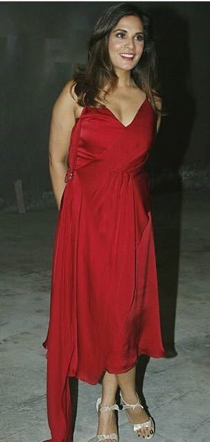 #richachadha turns heads as she sizzles in this gorgeous crimson wrap dress by #lolabysumanb while celebrating her birthday! 💃 . . . #DIPublicRelations #WeBuildYourStory