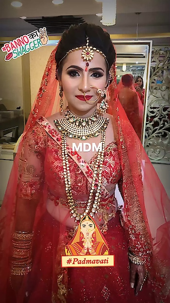 Bridallook with Perfection at #meenakshiduttmakeoversdelhi #meenakshidutt #meenakshiduttstyle #makeupartistdelhi #makeupartistdelhi #weddingmakeup #weddingmakeupartist ##indianbride #indianbridalmakeup #hairandmakeup #bridalmakeup #bridalmakeupartistdelhi #bridalmakeupartistindia #makeupacademydelhi #makeup and eyes makeup #makeupschool #padmavati #bannokaswagger