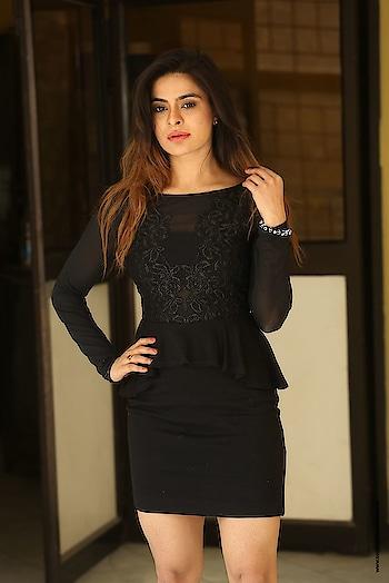 Anitha Raghav at Saradhi Movie Press Meet http://www.southindianactress.co.in/featured/anitha-raghav-at-saradhi-movie-press-meet/  #anitharaghav #southindianactress #teluguactress #tollywood #tollywoodactress #indianactress #actress #actressdress #actressstyle #actressfashion #black #blackdress #shortdress #blackshortdress #fashion #style #indianmodel #indianfashion #casual #hot #hotdress