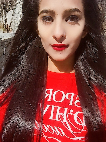 #red-hot #roposo-style #redlips #redfever #redlove #selfietime #self-love #ownit #queening #bornqueen #selfobsessed