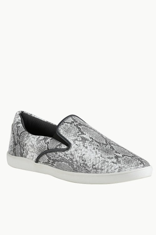 Snake Design Loafer Plimsolls -  Just Rs.1,399.00/- Only at #zobello    Shop Now @ http://bit.ly/2y4zM8R  #loafers