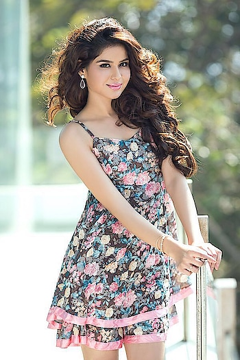 Rashika Dutt debuting in Telugu movie NivenaNanu Pilichinadi http://www.southindianactress.co.in/featured/rashika-dutt-nivenananu-pilichinadi/  #rashikadutt #southindianactress #teluguactress #indianactress #floraldress #shortdress #floral #actress #actressfashion #actressstyle #actressdress #fashion #style #indianfashion #indiangirl #modelphotography #modelphotoshoot