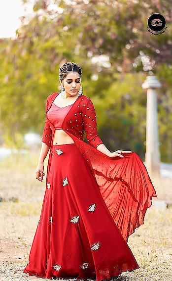 Rashmi Gautam at Extra Jabardast TV show wearing red outfit designed by DIVYA & VARUN Couture Photographed by Sandeep Gudala #rashmigautam #southindianactress #teluguactress #tollywood #tollywoodactress #indianactress #actress #red #reddress #redlove #actressdress #actressstyle #actressfashion #redhot #longskirt #redskirt #fashion #indianfashion #indianstyle #style #sandeepgudala #divavarun #divyaandvarun