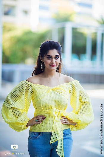 Actress Surbhi looking like a sunshine in yellow top by @sesamethestylestudio  Styled by Nithisha Sriram Make up by Emraan Artistry Jeans by @onlyindia  Photography by Timemachine work http://www.southindianactress.co.in/telugu-actress/surabhi/surbhi-looking-like-sunshine-yellow-top/  #surbhi #surabhi #actresssrubhi #southindianactress #teluguactress #tollywood #tollywoodactress #indianactress #actress #actressdress #actressfashion #actressstyle #yellow #yellowtop #yellowtopandjeans #jeans #girlinjeans #indianmodel #modelphotoshoot #modelphotography #fashion #style #casualstyle #sesame #onlyindiajeans #onlyindia-denims